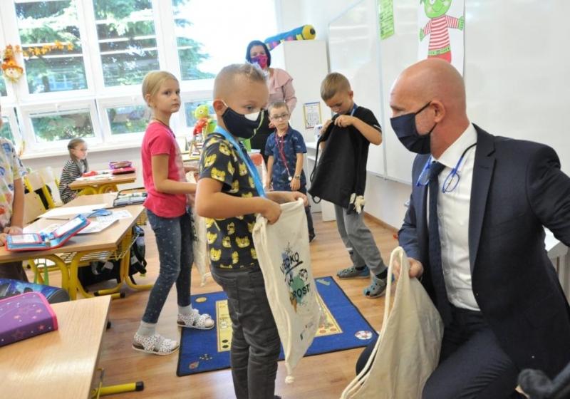 Minister Gröhling navštívil katolícke školy v Prešove