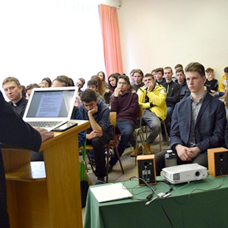 Na Gymnáziu sv. Košických mučeníkov sa konala konferencia v rámci prípravy na 400. výročie ich smrti