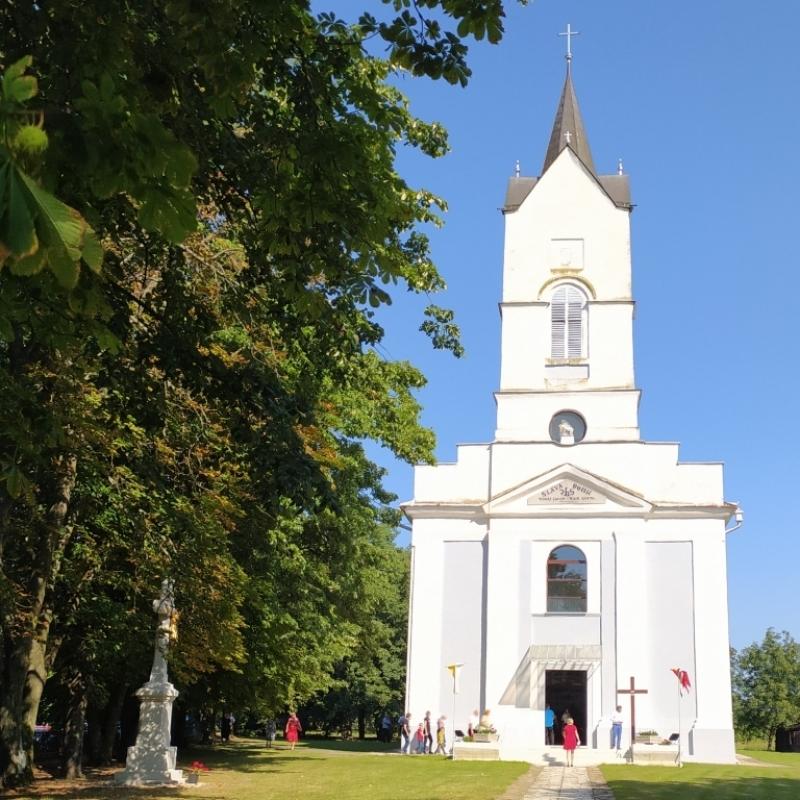 Požehnanie kostola v Malčiciach
