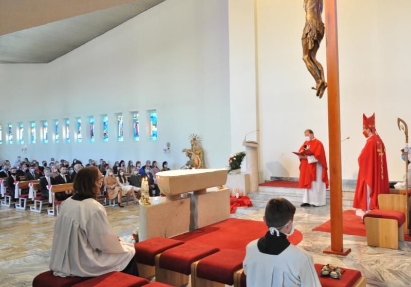 Kostoly od 16. novembra otvorené do polovičnej kapacity