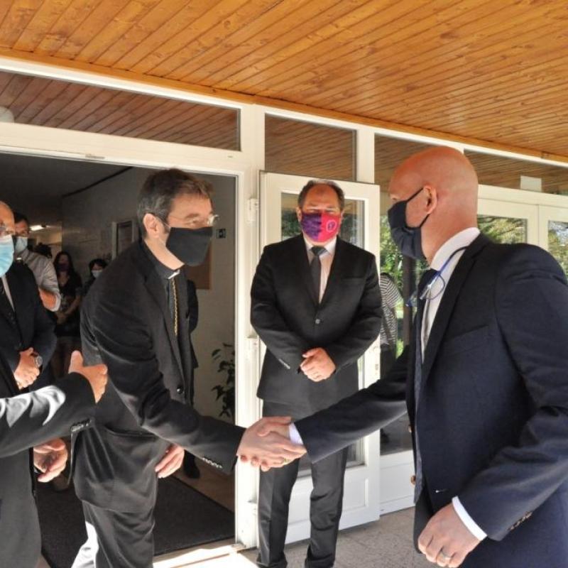 Minister školstva Branislav Gröhling navštívil katolícke školy v Prešove