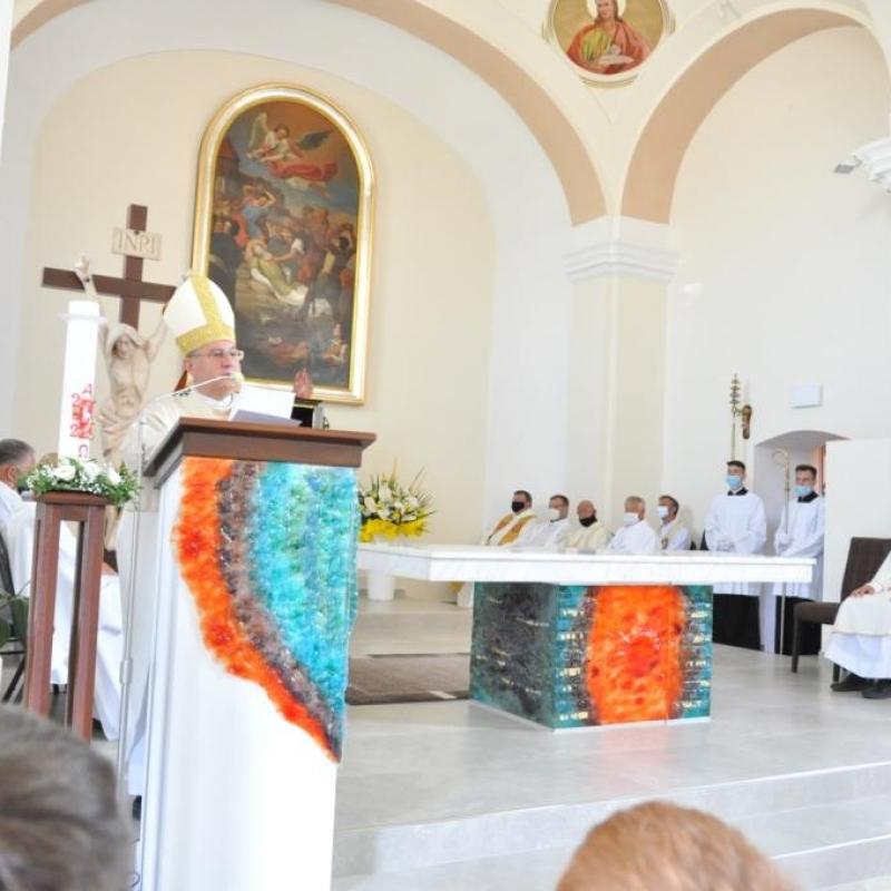 Nováčany majú obnovený kostol