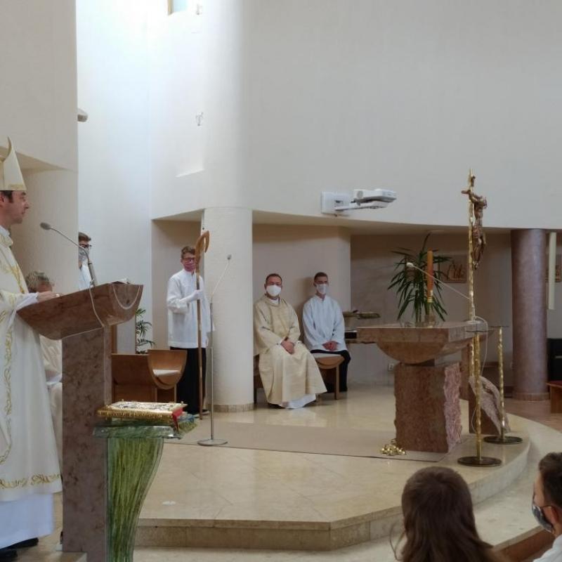 Konsekrácia  kostola Svätej Rodiny na bardejovskom sídlisku