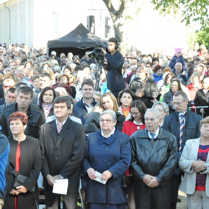 Ďakovná slávnosť vo Vysokej nad Uhom s uložením relikviára blahoslavenej Anny Kolesárovej